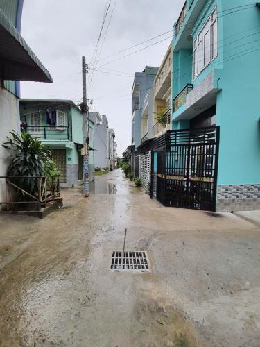 Hẻm nhà phố Thạnh Xuân, Quận 12 Nhà phố căn góc hẻm 4.5m xe hơi ra vào, gần chợ Minh Phát.