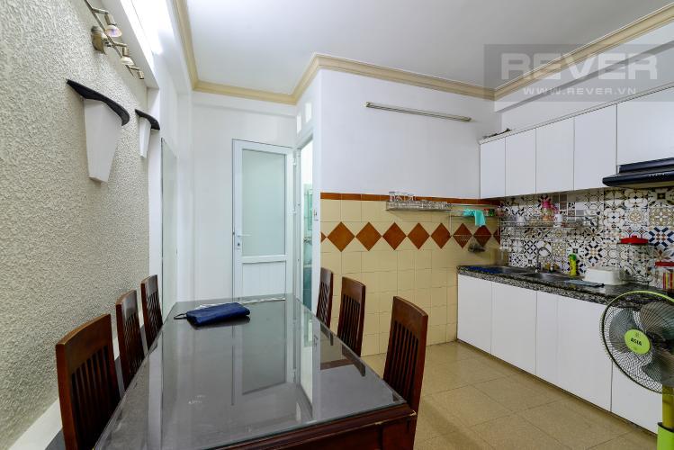 Nhà Bếp Cho thuê nhà phố hẻm Nguyễn Thiện Thuật, 2 tầng, 5 phòng ngủ, cách Ngã 6 Lý Thái Tổ 700m