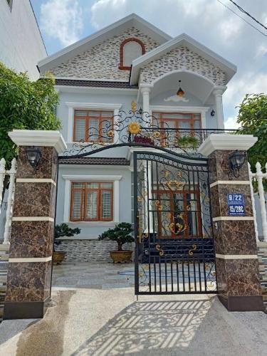 Bán biệt thự đường Trần Trọng Cung, phường Tân Thuận Tây, quận 7, diện tích 120.1m2, đầy đủ nội thất