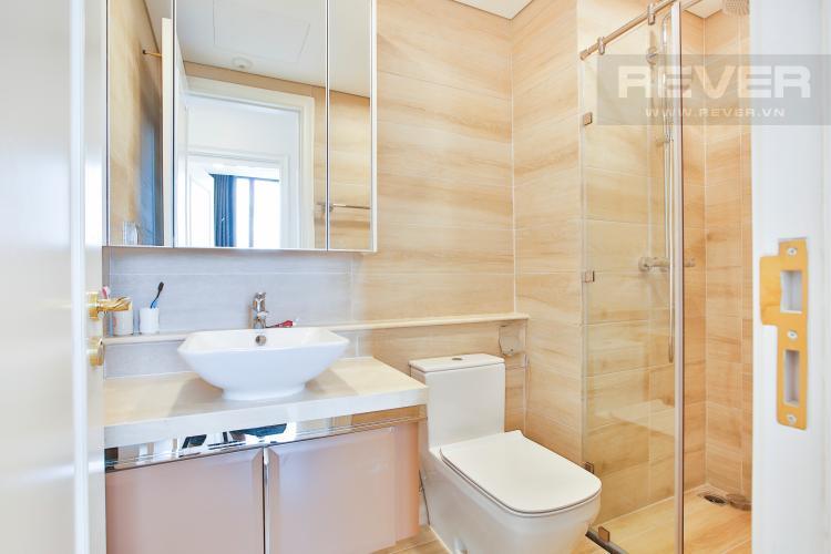 Toilet 2 Căn hộ Vinhomes Golden River 2 phòng ngủ tầng cao A4 view sông