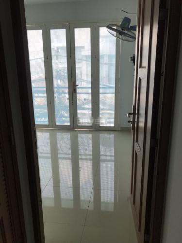 Phòng ngủ nhà phố Đoàn Văn Bơ, Quận 4 Nhà phố mặt tiền kinh doanh sầm uất, hướng Đông Bắc.