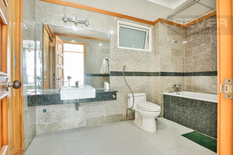Toilet 1 Căn hộ Phú Hoàng Anh 3 phòng ngủ tầng cao block B