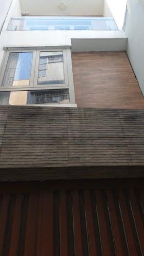 Mặt tiền nhà phố Nhà phố hướng Đông Nam diện tích đất 3mx 14m, hẻm xe máy.