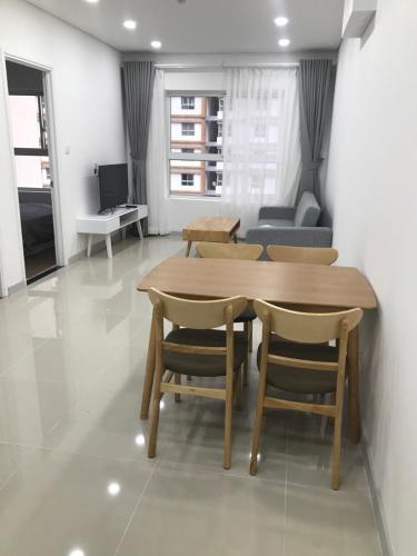 Phòng khách căn hộ Dragon Hill Bán căn hộ Dragon Hill 2, tầng cao, diện tích 51.5m2 - 1 phòng ngủ, nội thất cơ bản, sổ đỏ chính chủ.