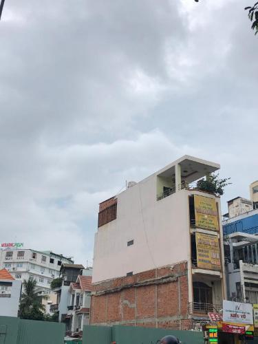 Bán nhà 5 tầng mặt tiền Phan Đăng Lưu, phường 5, Quận Phú Nhuận. Diện tích đất 66.2m2