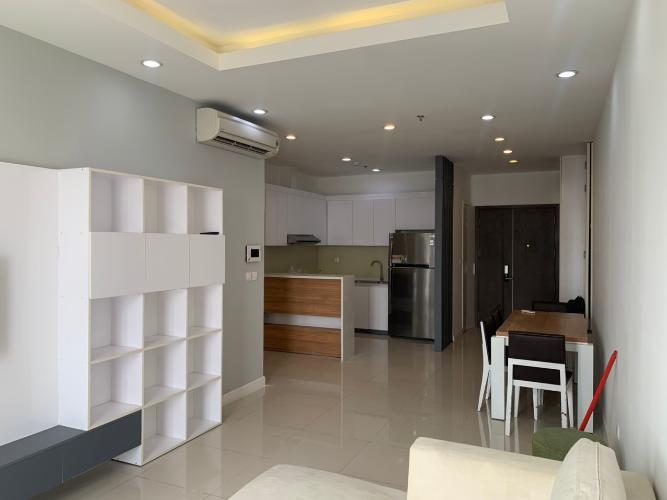 Phòng khách Prince Residence, Phú Nhuận Căn hộ Prince Residence tầng trung, cửa hướng Đông Nam.