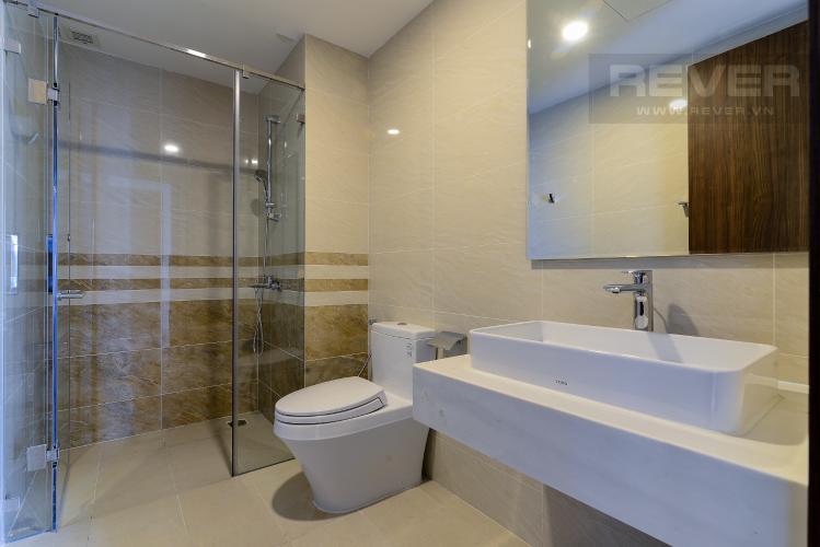 Phòng Tắm 2 Bán hoặc cho thuê căn hộ Saigon Royal 2PN, tháp A, đầy đủ nội thất, view kênh Bến Nghé và Bitexco