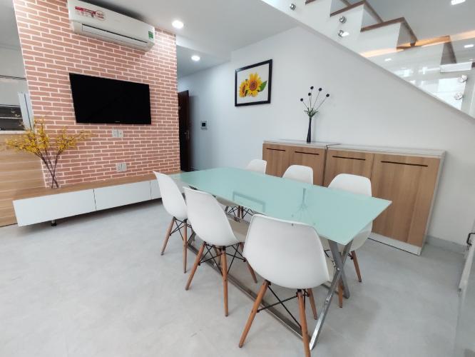 Phòng ăn duplex STAR HILL PHÚ MỸ HƯNG Bán duplex Star Hill Phú Mỹ Hưng 3PN, tầng 4 block A, đầy đủ nội thất, sổ hồng