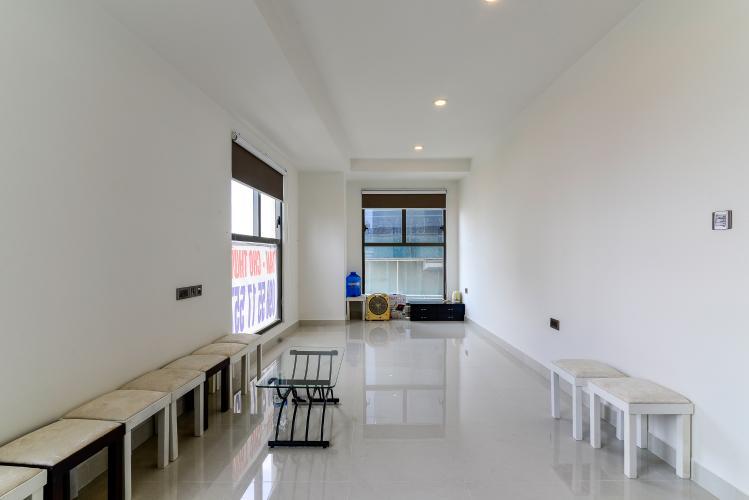 Bán officetel Saigon Royal 1 phòng ngủ, tầng thấp, nội thất cơ bản, view tháp Bitexco