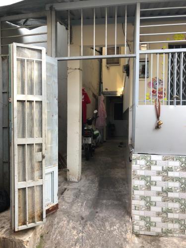 Bán nhà hẻm 243 Tôn Thất Thuyết, Quận 4, sổ hồng, cách cầu Kênh Tẻ 500m