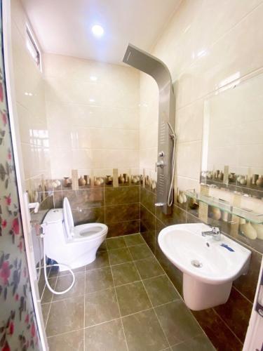 Phòng tắm  nhà phố Hiệp Bình Chánh, Thủ Đức Nhà phố mặt tiền hướng Nam diện tích 60m2, gần chợ Hiệp Bình.