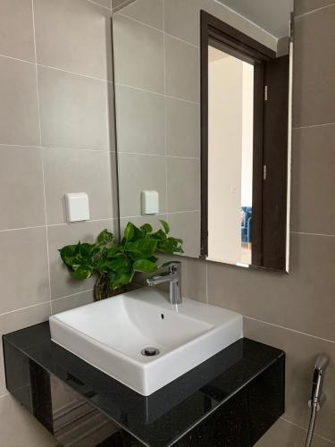 Phòng tắm căn hộ Sunrise Riverside Căn hộ tầng cao Sunrise Riverside sẵn nội thất, view thành phố.