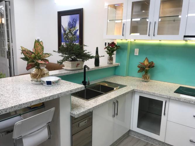 Phòng bếp nhà phố quận Phú Nhuận Bàn nhà hẻm 3 tầng, 3 phòng ngủ, diện tích đất 43m2, diện tích sàn 158m2, thiết kê hiện đại, đầy đủ nội thất