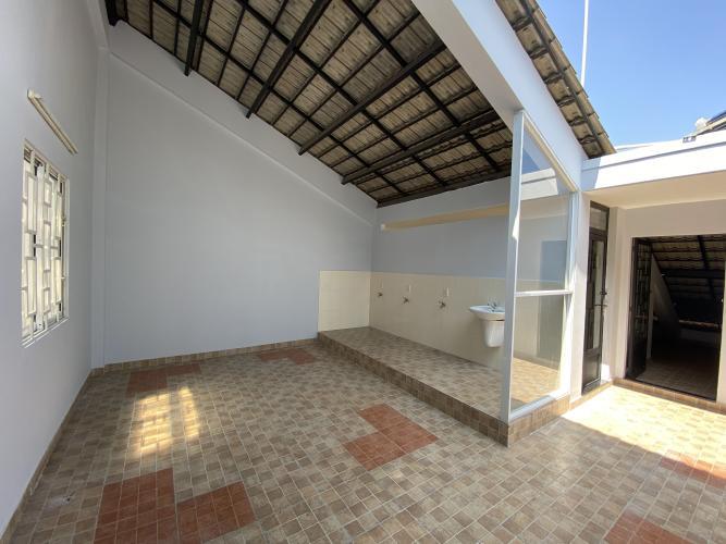 TẦNG THƯỢNG biệt thự KDC Nam Long Q7 Biệt thự KDC Nam Long nội thất cơ bản, tông trắng, thiết kế hiện đại.