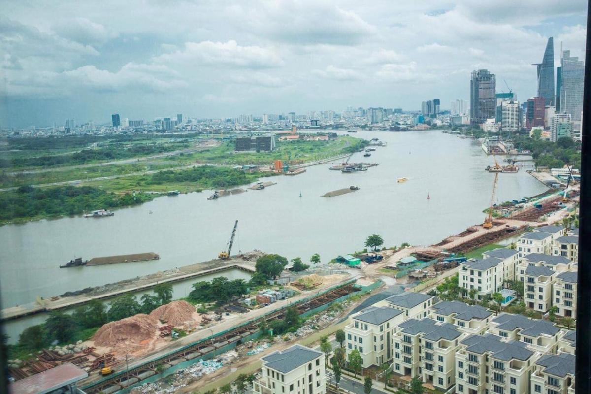 View Bitexco Bán hoặc cho thuê căn hộ Vinhomes Golden River 2PN, tháp The Aqua 2, diện tích 68m2, đầy đủ nội thất cao cấp, view Bitexco