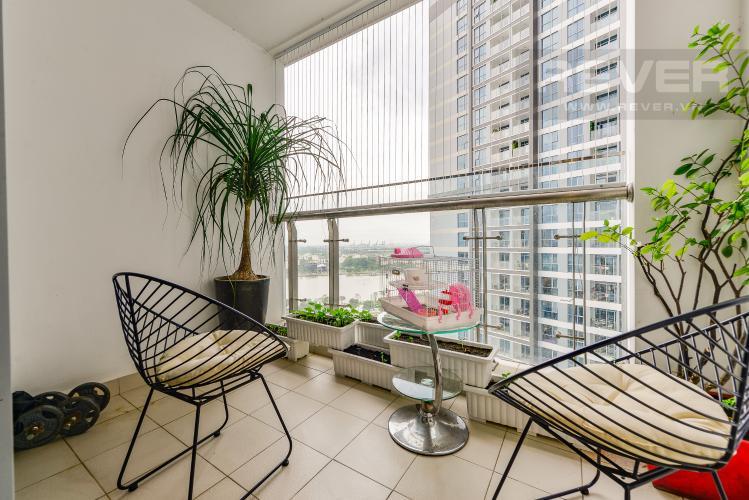 Bancony Bán căn hộ Vinhomes Central Park tầng trung 3PN đầy đủ nội thất view sông