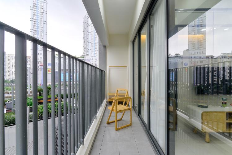 ban công căn hộ MASTERI AN PHÚ Cho thuê căn hộ Masteri An Phú 1PN, tầng 5, đầy đủ nội thất, view hồ bơi