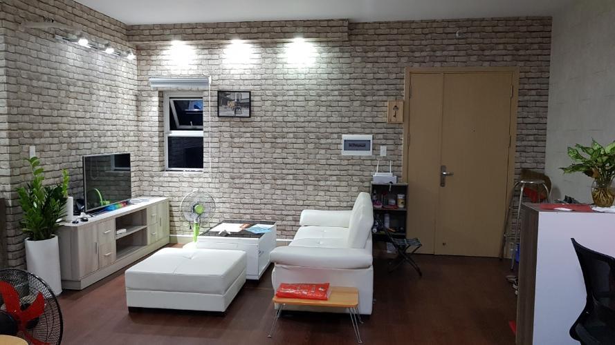 Phòng khách Oriental Plaza, Tân Phú Căn hộ Oriental Plaza tầng cao, view thành phố sầm uất.