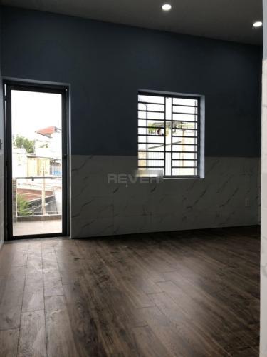 Phòng ngủ  nhà phố quận 2 Nhà phố P. Bình Trưng Long, Q.2, sàn lót gỗ, không có nội thất.
