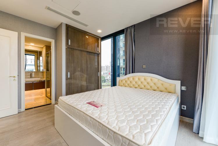 Phòng ngủ 1 Cho thuê căn hộ Vinhomes Golden River tầng thấp, 3PN, đầy đủ nội thất
