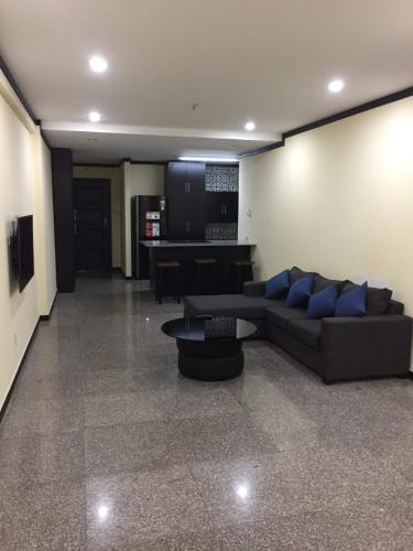 Căn hộ Hoàng Anh Thanh Bình tầng cao, đầy đủ nội thất.
