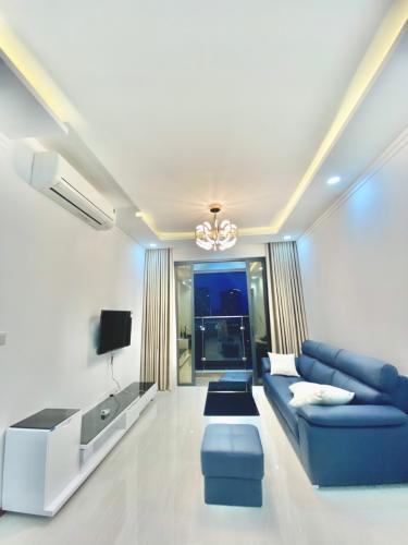 Phòng khách căn hộ One Verandah Căn hộ One Verandah nội thất cơ bản, view thành phố.