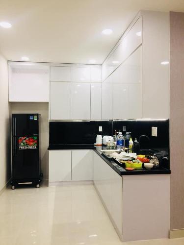 khu vực bếp căn hộ Grand Riverside Bán căn hộ Grand Riverside nhìn về phía Bitexco đầy đủ nội thất.