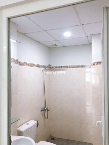 Phòng tắm căn hộ Gia Phát Apartment, Gò Vấp Căn hộ Gia Phát Apartment tầng thấp, bàn giao nội thất cơ bản.