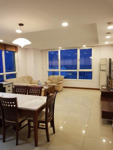 Bàn ăn căn hộ THE MANOR Bán hoặc cho thuê căn hộ The Manor 3PN, diện tích 136m2, đầy đủ nội thất, căn góc, view thành phố