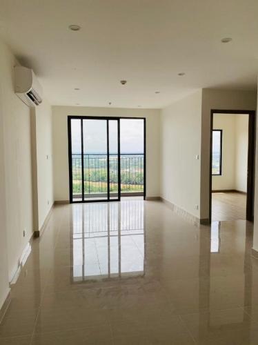 Cho thuê căn hộ 2 phòng ngủ, view nội khu và sông Vinhomes Grand Park