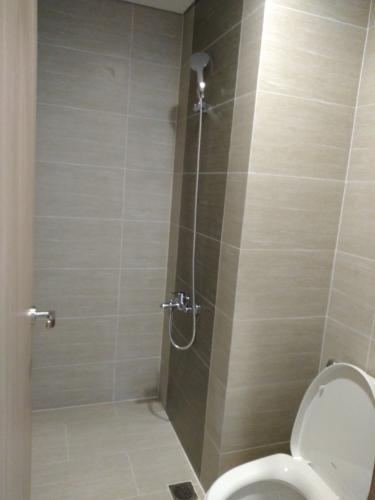 Nhà wc căn hộ Vinhomes Grand Park Căn hộ Vinhomes Grand Park nội thất cơ bản, tiện ích cao cấp.