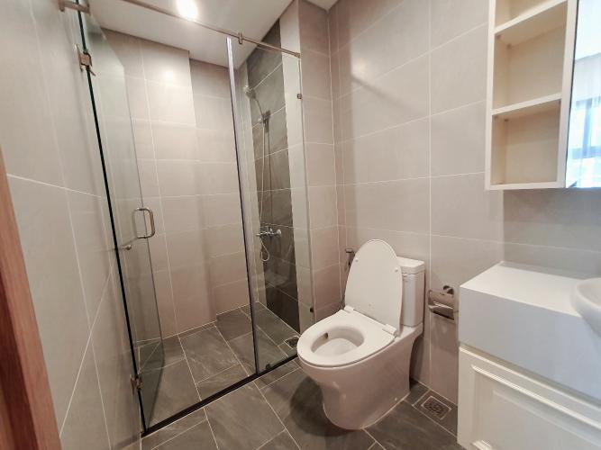 Phòng tắm căn hộ Vinhomes Grand Park Căn hộ Vinhomes Grand Park bàn giao nội thất đầy đủ, view thành phố.