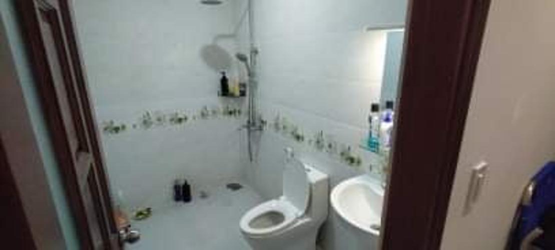 Nhà vệ sinh Nhà phố hướng Bắc, mặt tiền đường lớn, thích hợp kinh doanh.