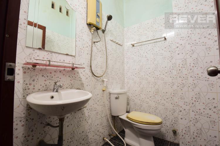 Toilet Nhà phố đường Song Hành, Khu đô thị An Phú - An Khánh, Quận 2.