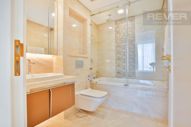 Toilet 1 Căn hộ Vinhomes Golden River 3 phòng ngủ tầng cao A4 view sông