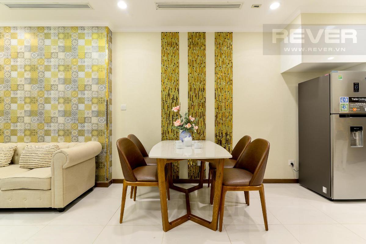 Bàn ăn Cho thuê căn hộ Vinhomes Central Park 1PN, tháp Landmark 5, đầy đủ nội thất, view Pearl Plaza