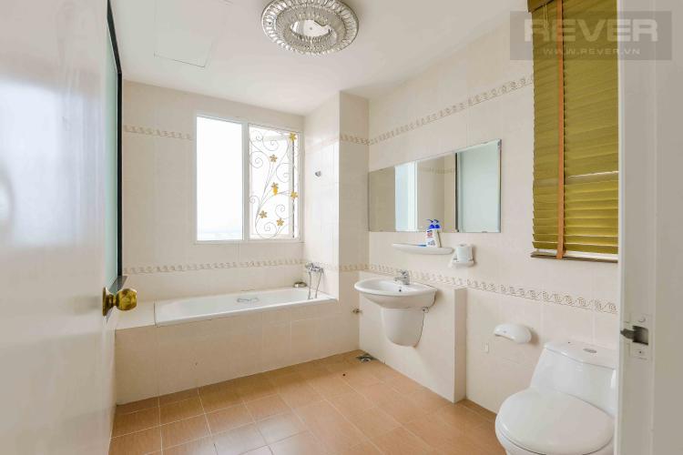 Toilet 2 Bán penthouse chung cư Phú Mỹ 4PN, diện tích 353m2, đầy đủ nội thất, view sông và thành phố