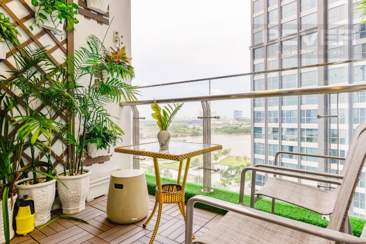 Ban công Căn hộ Vinhomes Central Park 3 phòng ngủ tầng thấp P2 view sông