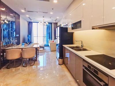 Cho thuê căn hộ Vinhomes Golden River tầng cao, tháp The Aqua 4, đầy đủ nội thất, view sông Sài Gòn