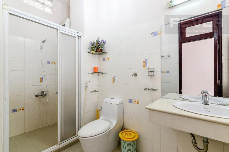 Phòng Tắm Tầng 1 Nhà phố 4 phòng ngủ đường Quốc Hương Thảo Điền Quận 2