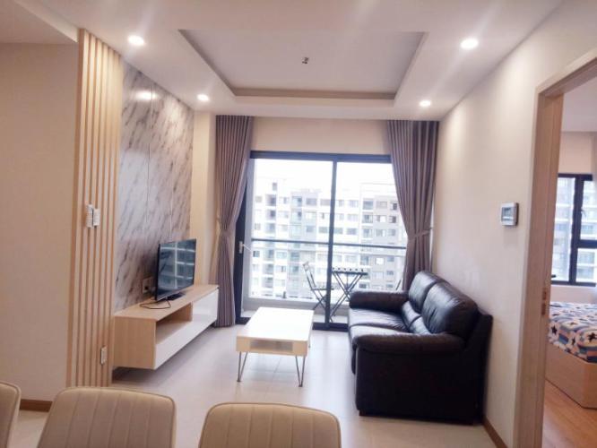 phòng khách Căn hộ New City Thủ Thiêm tầng trung, nội thất đầy đủ.