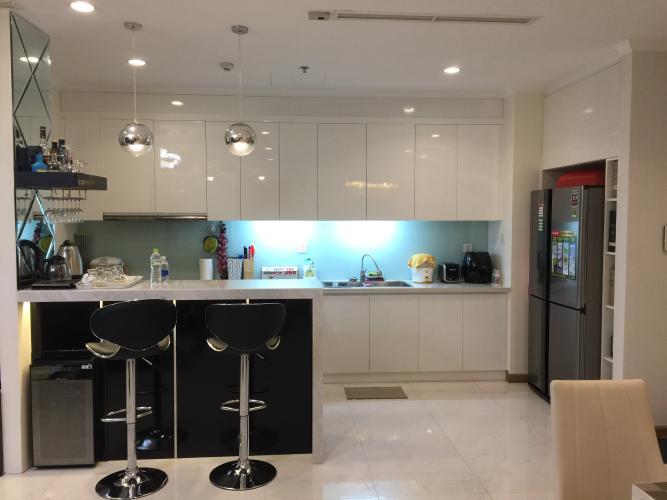 Phòng bếp Vinhomes Central Park Căn hộ Vinhomes Central Park tầng trung, đầy đủ nội thất.