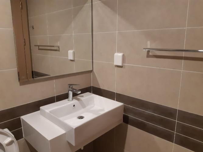 Toilet căn hộ RiverGate Residence Cho thuê căn hộ RiverGate Residence 2 phòng ngủ, diện tích 74m2, đầy đủ nội thất, view thành phố
