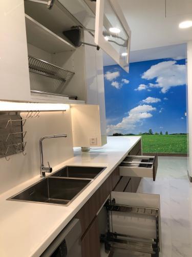 bếp Căn hộ Sunwah Pearl tầng 27 ban công Đông Bắc, nội thất đầy đủ