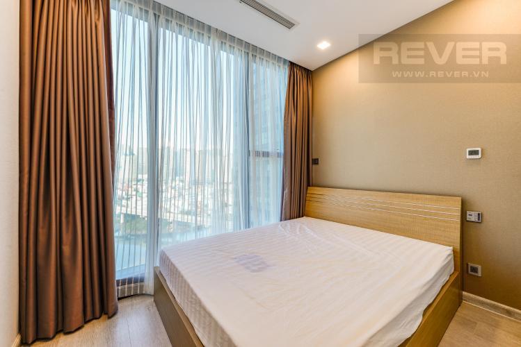 Phòng ngủ 2 Cho thuê căn hộ Vinhomes Golden River tầng trung 2PN đầy đủ nội thất