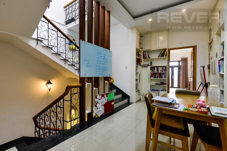 Hành Lang Cho thuê nhà phố 5 tầng, tọa lạc trên đường số 33, Phường Bình An, Quận 2