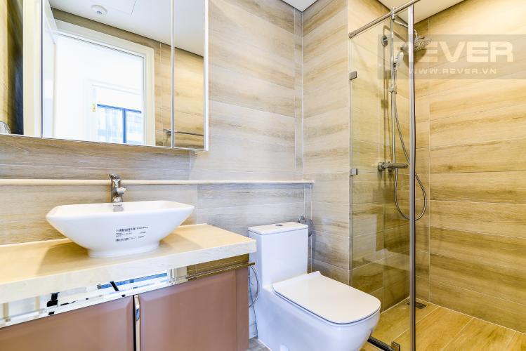 Phòng tắm 1 Officetel Vinhomes Golden River 2 phòng ngủ tầng thấp A1 hướng Đông
