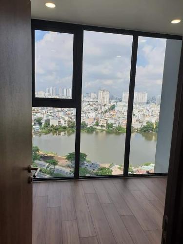 Phòng ngủ Eco Green Saigon Căn hộ Eco Green Saigon tầng trung, nội thất cơ bản, view thành phố.