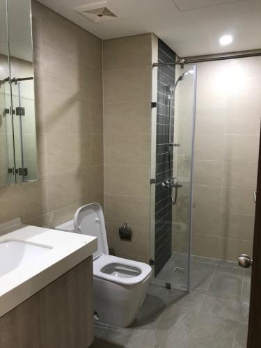 Toilet Hado Centrosa Garden, Quận 10 Căn hộ Hado Centrosa Garden tầng cao, 4 phòng ngủ rộng rãi.