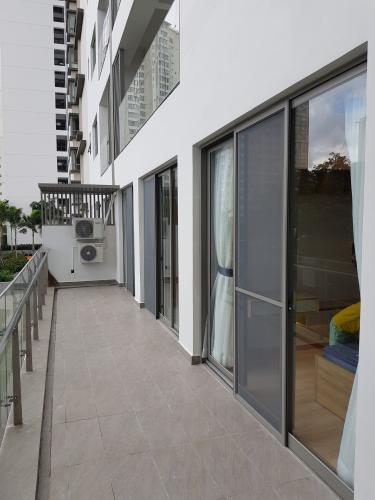 Ban công căn hộ Hưng Phúc Căn hộ Happy Residence nội thất đầy đủ, ban công rộng rãi.